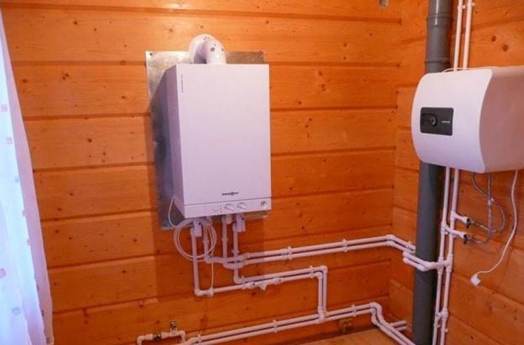 Как сделать газовое отопление в доме настенный котел