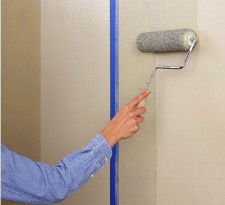 Для создания ровной поверхности на поверхность стены необходимо нанести грунтовку.