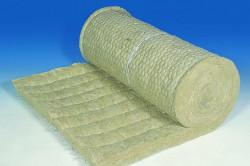 Минеральная вата занимает лидирующие позиции на рынке среди утеплителей, так как она обладает низкой теплопроводностью и удобна при монтаже.