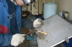 Ремонт радиатора при помощи холодной сварки